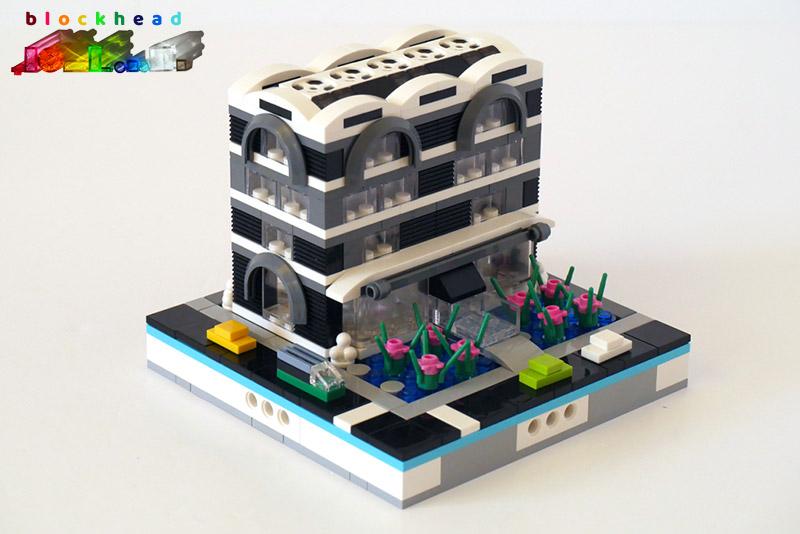 MOC: Monochrome Court Front