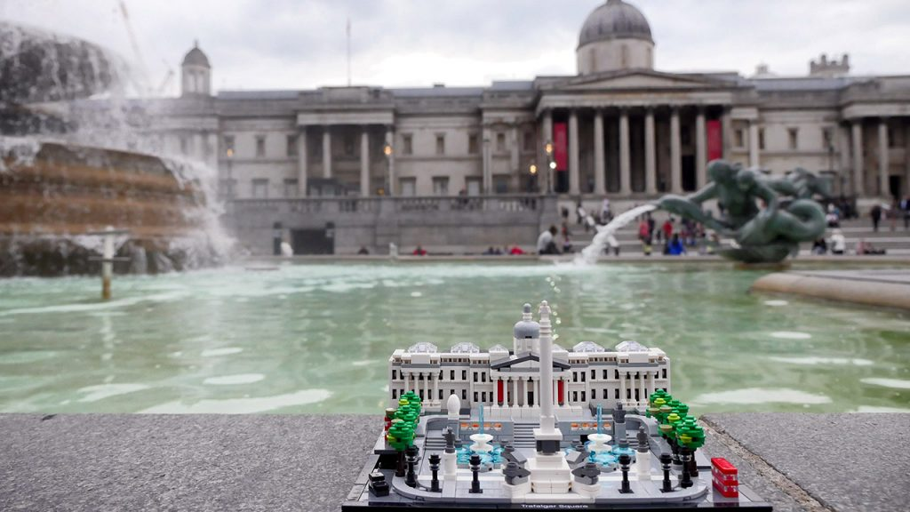 LEGO Trafalgar Square - Right Location, Wrong Weather!